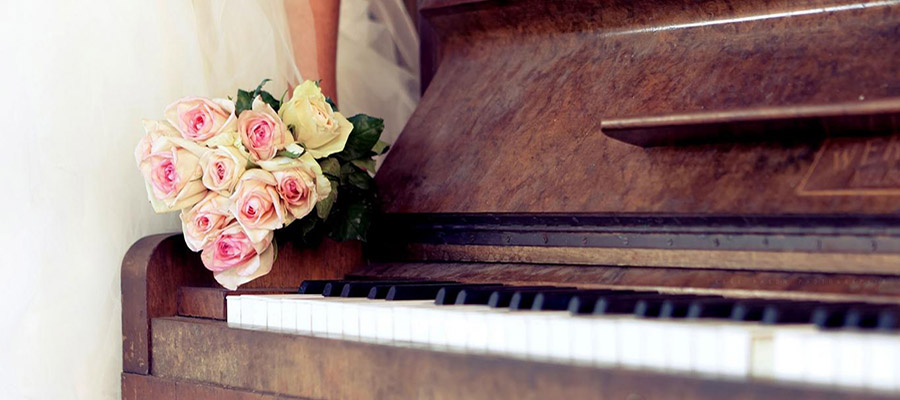 piano-wedding-bouquet-bridal-bride-group-100469